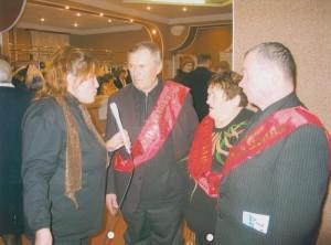 Н.И. Корепанов дает интервью корреспонденту газеты Приуралье Н.А. Моховой, 2005 г.