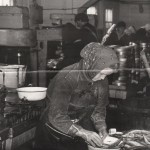 Вакуленко Анна в цехе обработки рыбы Аксарковского рыбозавода.ПМОФ-614