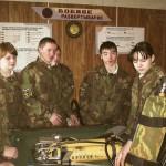 Школьники в пожарной части по охране с.Аксарка,  декабрь 2004