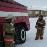 Занятия по ПСП, пожарный Терентьев И.М. и водитель Филиппов Б.Г. Пожарная часть  по охране с.Харсаим