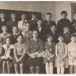 ПМОФ 248. Коллектив 4 класса Аксарковской средней школы.Учитель Яковлева Ельвира Константиновна 1964 год